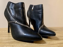 Zipper Ankle Booties Size 9