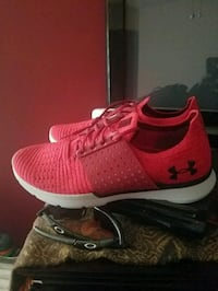 Under armour training shoes Chicago, 60638