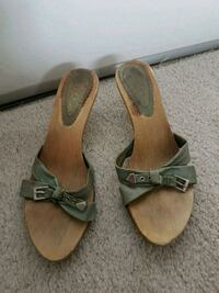 pair of brown leather open toe ankle strap sandals Kitchener, N2C 2S1