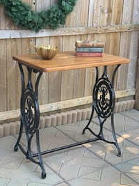 Occasional / Accent / Entry Table (Singer Sewing Base) Baltimore, 21206