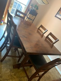 Dining table of 6 Chantilly