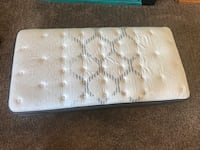 white and gray floral mattress Bakersfield, 93314