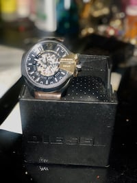 NEW AUTOMATIC DIESEL WATCH FOR SALE IN MINT CONDITION  Mont-Royal, H3R 1W3