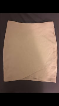 Aritzia- skirt talula size 2 Richmond, V6X 0M3