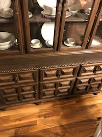Brown wooden cabinet with mirror Harpers Ferry, 25425