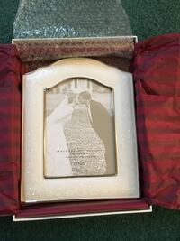 New opal innocence 5x7 picture frame Rutherford, 07070