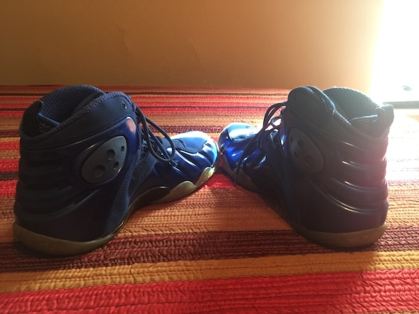 16c9b2efcf3 Used Blue nike Foams size 11 for sale in Marietta - letgo