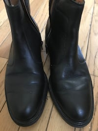 Pair of black leather boots Chantilly, 20166