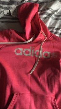 red and white Hollister pullover hoodie Omaha, 68127