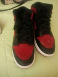 pair of black-and-red basketball shoes Bladensburg, 20710