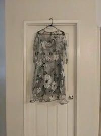 gray and white floral long-sleeved dress La Quinta, 92253