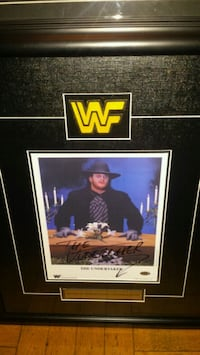 Wwf's Undertaker signed & authenticated photo  Toronto, M1L 2T3