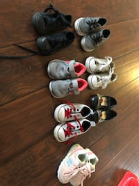 12$ each gold converse sold toddler size 6 Dothan, 36301