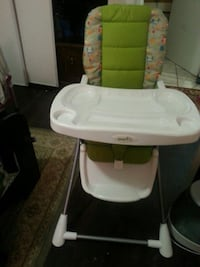 High chair almost brandnew St. Catharines, L2S 1H6