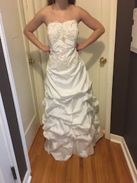 Wedding Gown. Wedding Gown Deess Size: 16  Spring Lake Park, 55432