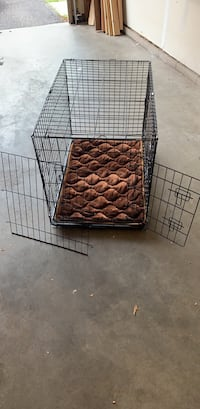 Medium dog crate and bed LIKE NEW!