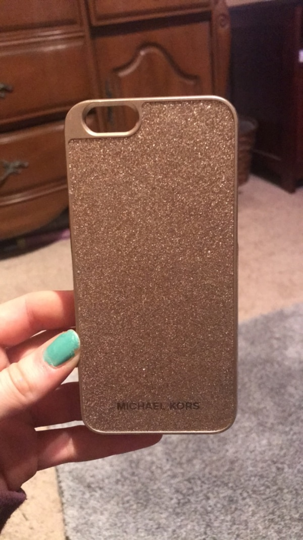 c1226b87d67904 Used Michael Kors iphone 6 case for sale in Mount Holly - letgo