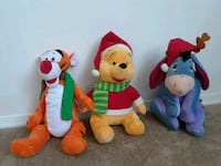 Christmas plush Winnie the Pooh collection Reston, 20194