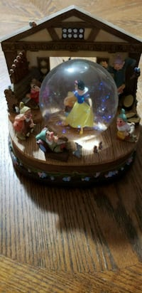 Disney Snow White Snowglobe  Windham County, 06239
