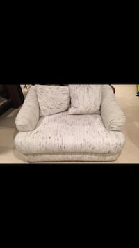Love seat couch - seats 2  Naperville, 60540