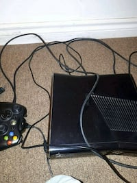 black Microsoft Xbox 360 with controller Mississauga, L5M 3R3
