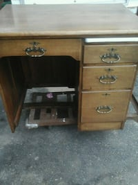 Selling this beautiful Antique desk $60 Bradford West Gwillimbury, L3Z 2A6