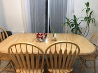 Solid wood table with 4 chairs two extension  Montréal, H9C 1H1