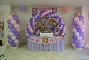 Balloon arche decorations