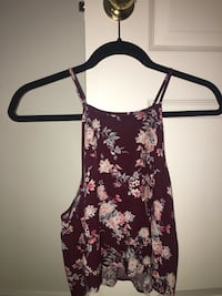 Forever 21 Floral Crop Top . Size Small. 10/10 Condition Richmond Hill, L4S 2T8