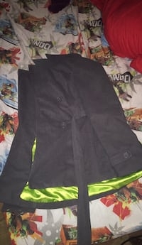 brand new womens jacket worn a couple times got to small size medium  285 mi