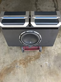 JL subwoofer 2 infinity amps and a Pioneer system Los Angeles, 91326