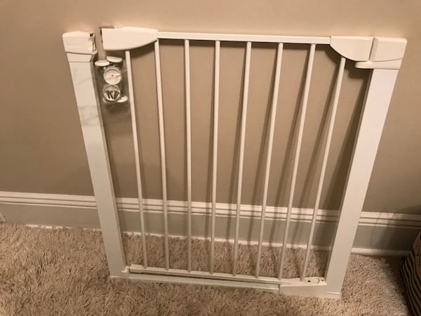 Used Munchkin Baby Gate For Sale In New York Letgo