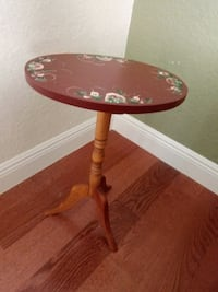 "15"" Diameter side round table Boca Raton, 33486"