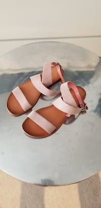 Suede leather strap sandals