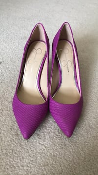 pair of pink pointed-toe flats Leesburg, 20176