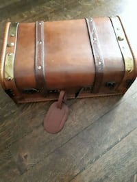 wooden carrying case  Scarborough, M1S