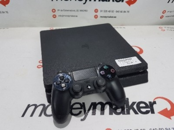 Play Station 4 Slim 1TB