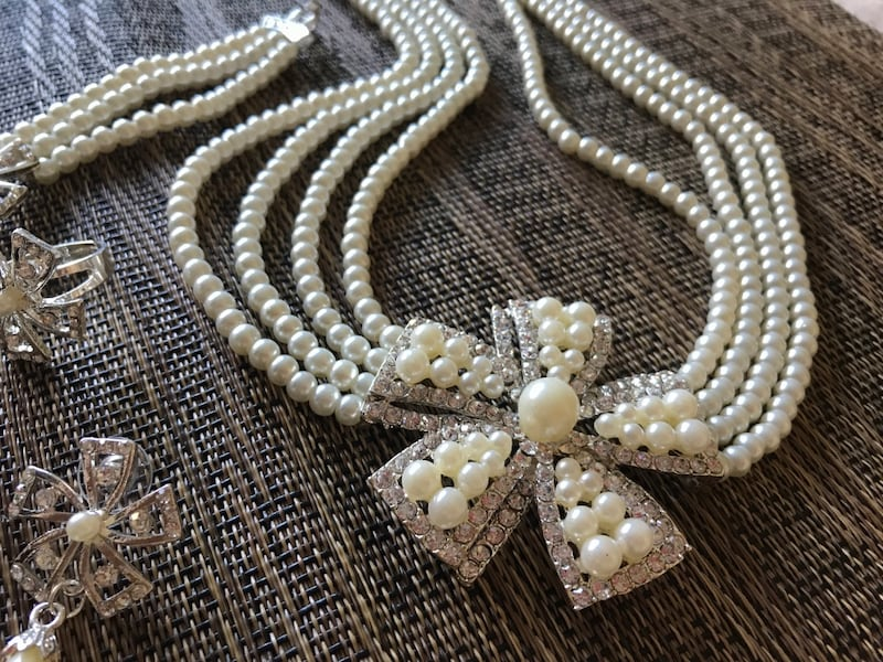 Pearl necklace set 0