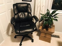 black leather office rolling chair Fairfax, 22031