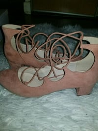 Size 10 Urban outfitters shoes Toronto, M5A 1W5