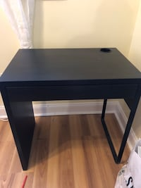 FREE LIKE NEW Black desk PICKUP FRIDAY Washington, 20010