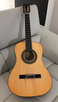 brown and black classical guitar Herndon, 20170