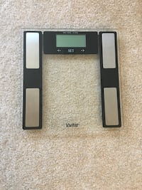 black and gray Vivitar clear digital weighing scale