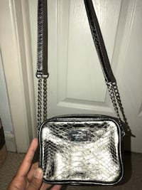 Authentic Michael Kors crossbody in silver/chrome Pinellas Park, 33764