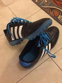 Adidas Black-and-blue adidas cleats/Turf Soccer shoes indoor Size 42(8.5) Markham, L3T