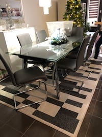 rectangular glass-top table with chairs Londres, N6B