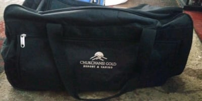 chuckchansi duffle bag on wheels
