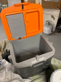Used klein tools lunchbox