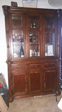 brown wooden china cabinet Québec, H1K 3K5