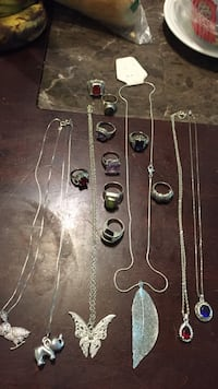 assorted-color necklace and ring lot Los Ángeles, 91367